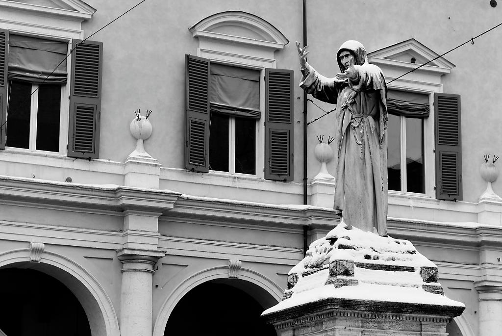 La statua di Savonarola