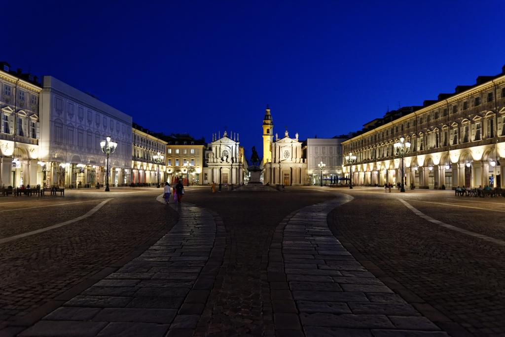 Piazza San Carlo all'ora blu