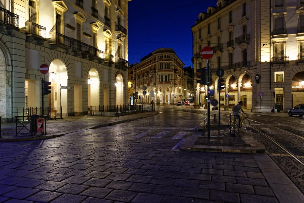 Verso Piazza Castello