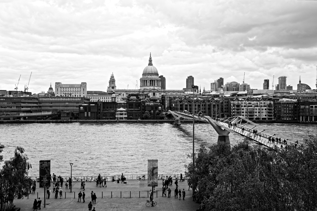 Il millenium bridge e la cattedrale di St. Paul
